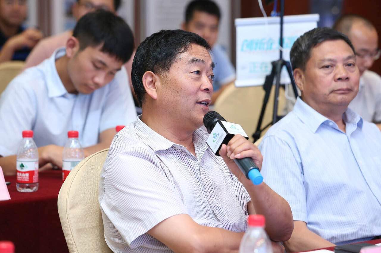 物联网与电子工程系主任、北京科技大学教授、北京科技大学学术委员会委员王志良教授对项目进行现场点评