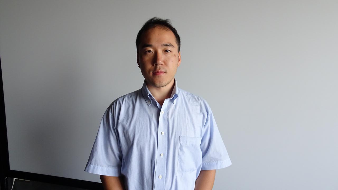 索尼中国专业系统集团显示设备市场部高级经理 内海宏章先生在发布会现场