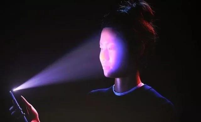 iPhone X人脸解锁演示
