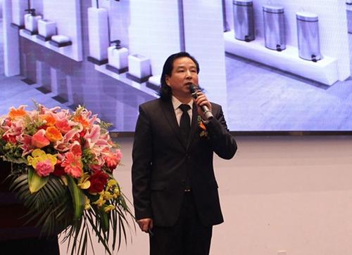 青华华文公司总经理陈华先生