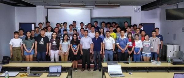 第一期北大&华为云产学合作课程师生、专家合影