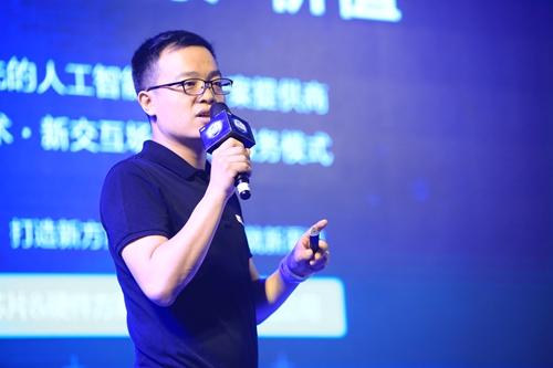 ROOBO CEO 刘颖博